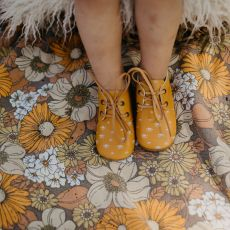 Goose & Gander Yellow Leather Oxford Shoes