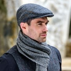 Mucros Weavers Black/Gold Trinity Wool Cap